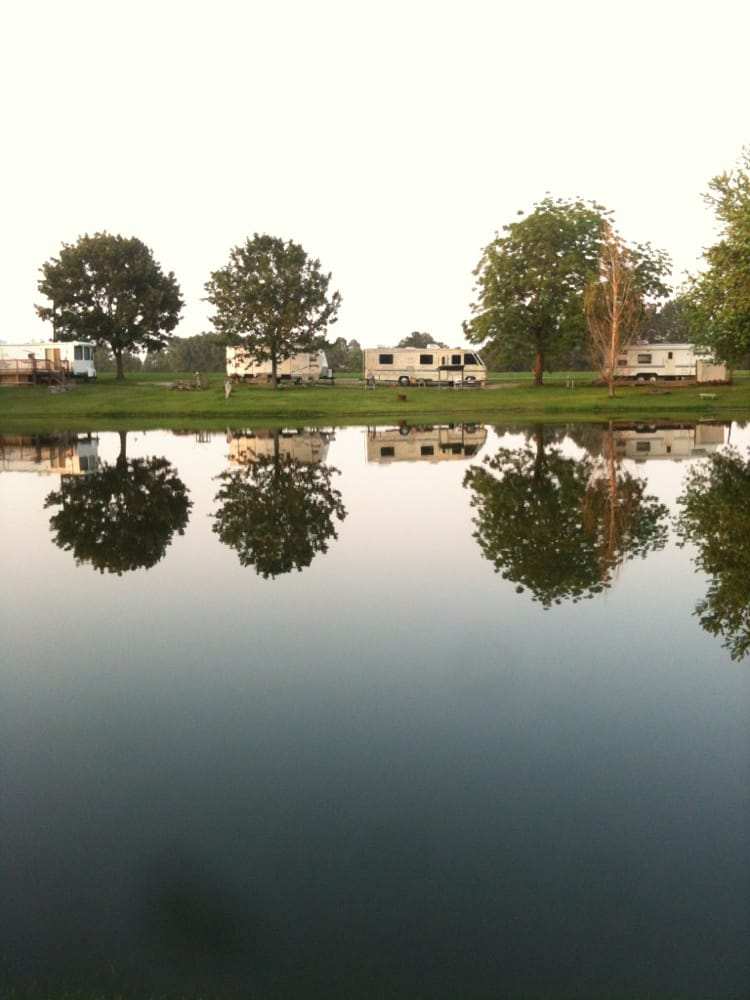 Rustic Acres Campground: 12246 Binney Rd, New Douglas, IL