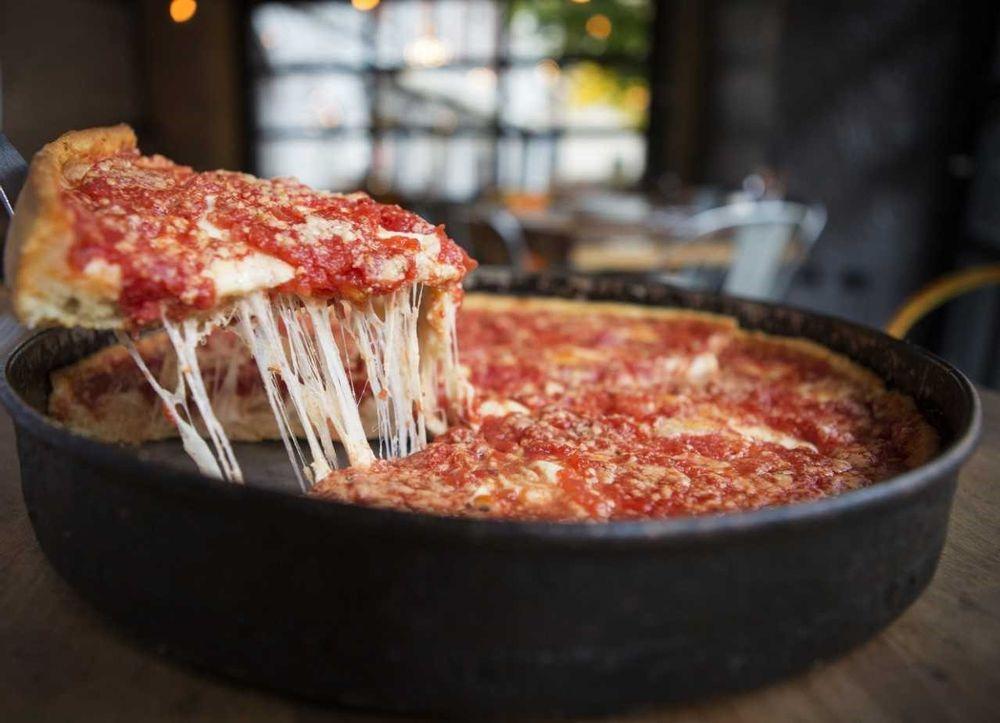 Lou Malnati's Pizzeria: 6320 Ferguson St, Indianapolis, IN