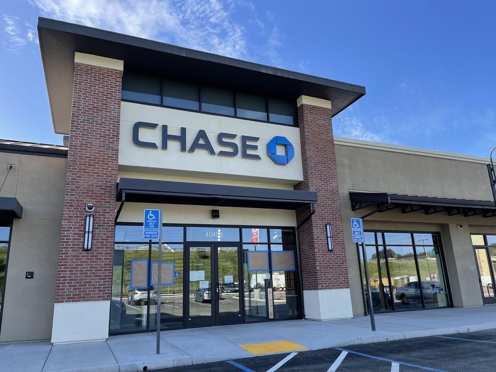 Chase Bank: 4040 San Pablo Ave, Hercules, CA