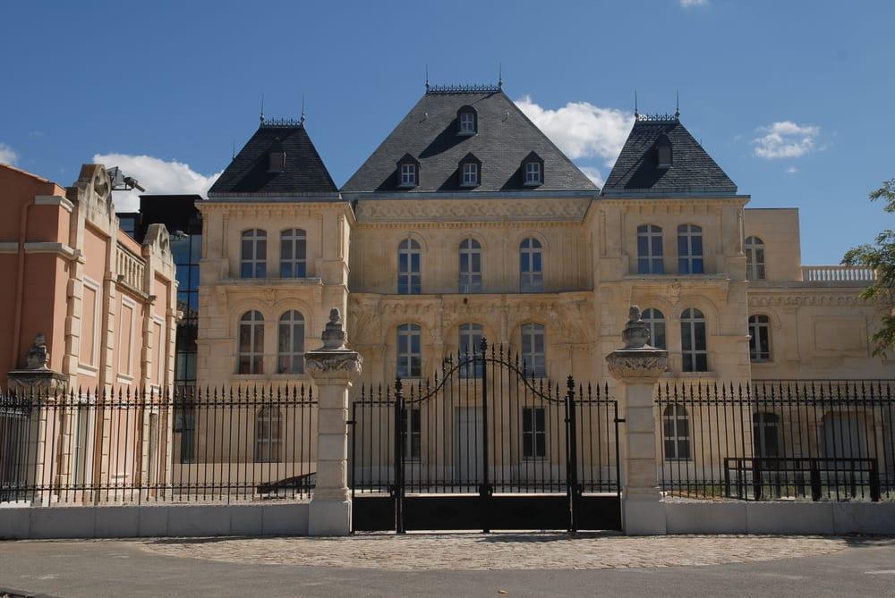 Chateau de la buzine marriage counselors
