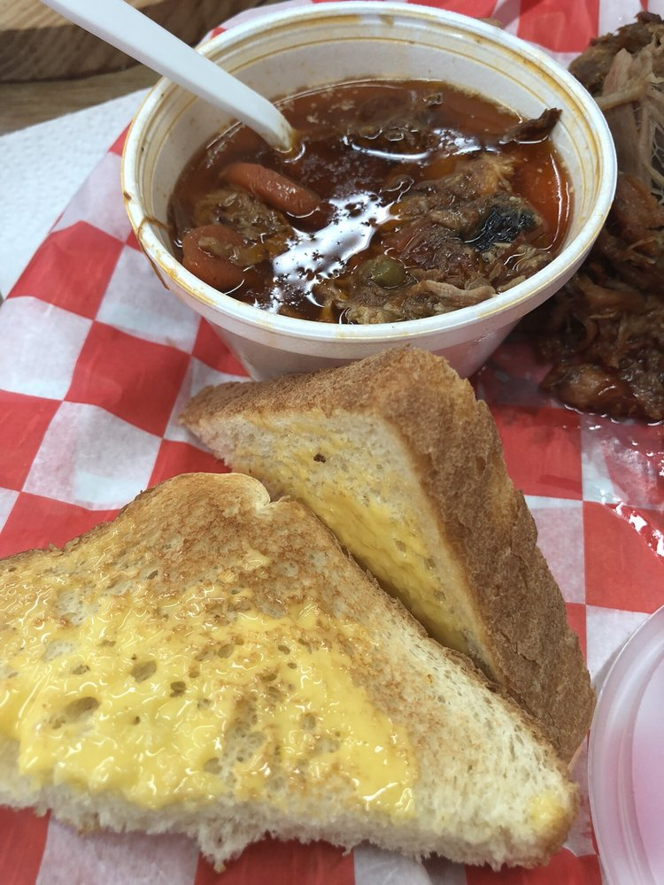 Bradford's BBQ: 761 Ocoee St, Copperhill, TN