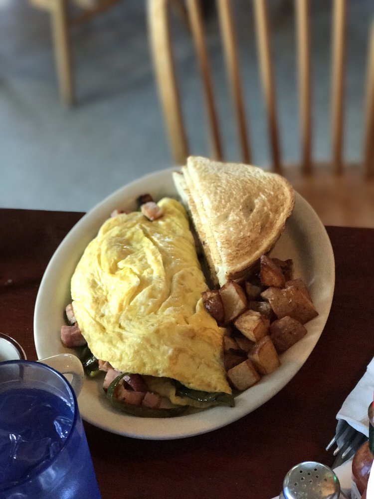 Top of the Hill Grille: 8 Sunny Hill Rd, Casco, ME