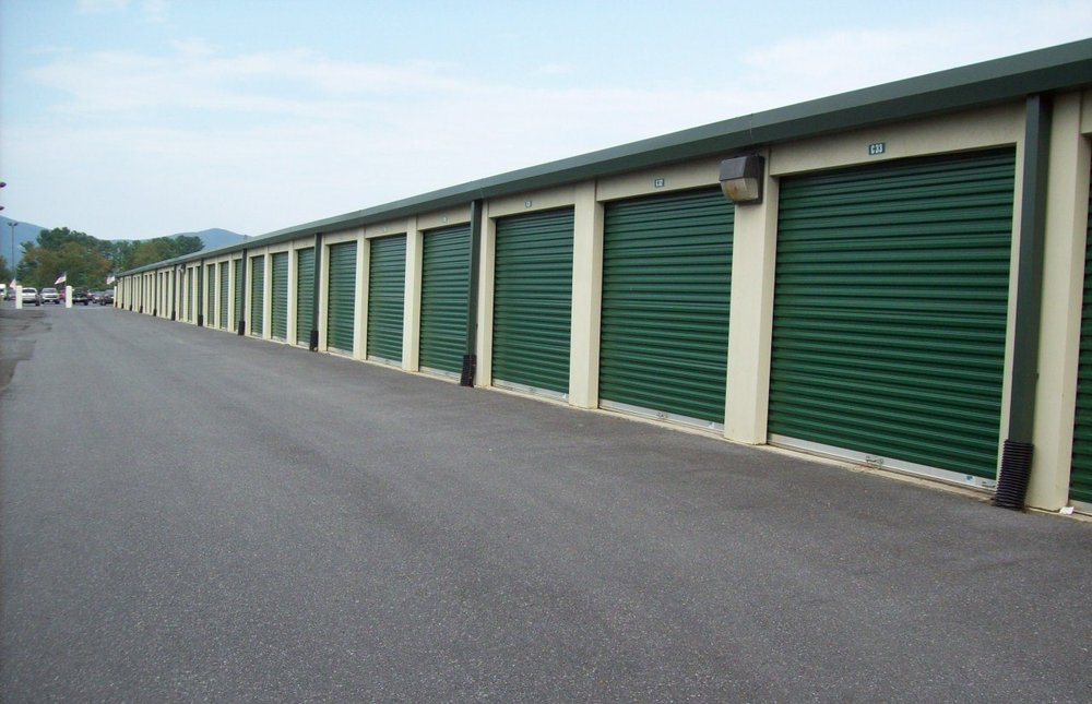 AAAA Self Storage & Moving: 980 Hopeman Pkwy, Waynesboro, VA