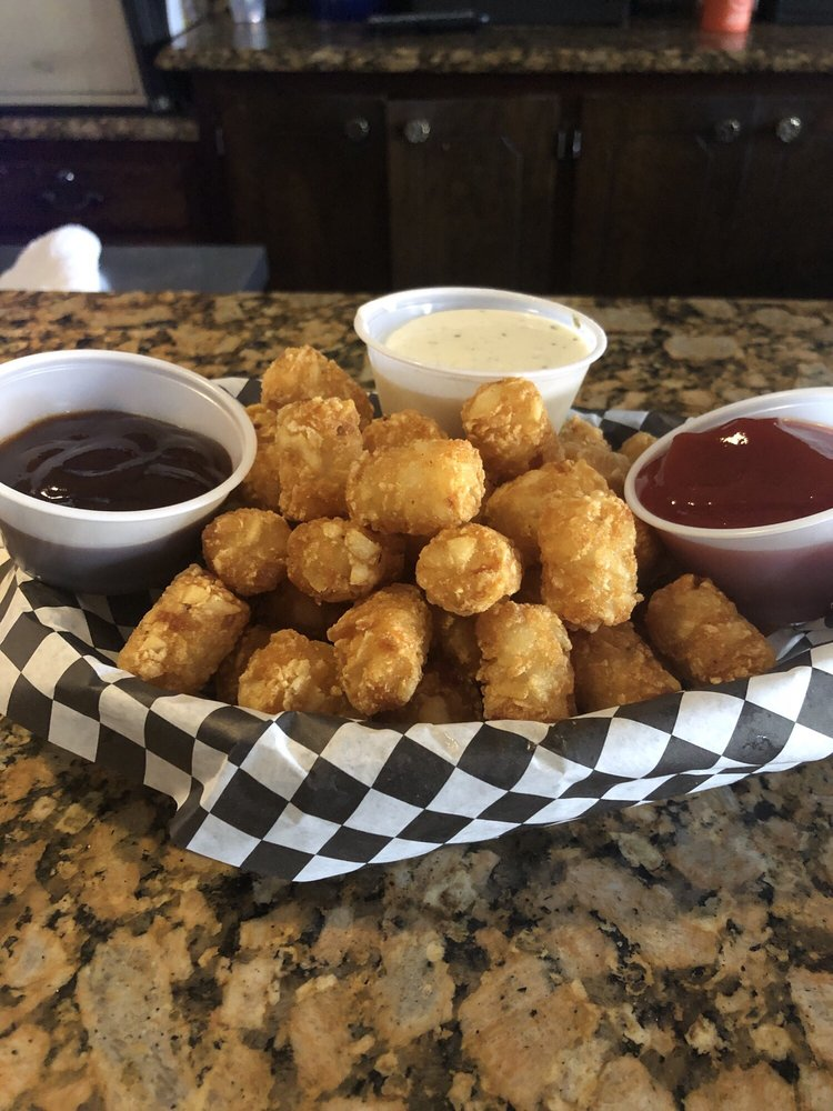 Betty C's Bar & Grill: 11121 Johnson Dr, Shawnee, KS