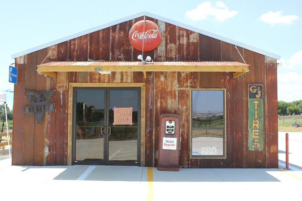 Cody's Pit Stop BBQ: 2828 Industrial Blvd, Brenham, TX