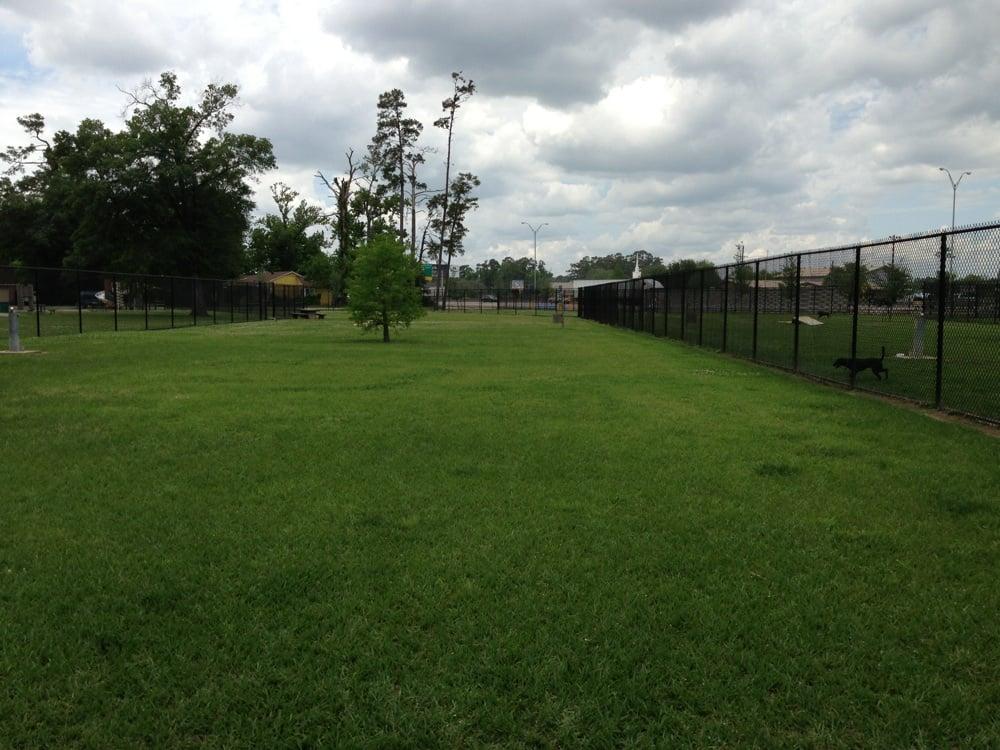 Ida Reed Dog Park: 7TH St At IH-10, Beaumont, TX