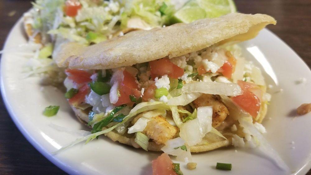 Los Amigos Restaurant: 17 7th Ave NE, Ruskin, FL