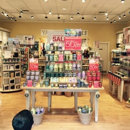 Yankee Candle - Candle Stores - 2162 Tyler St, Riverside ...