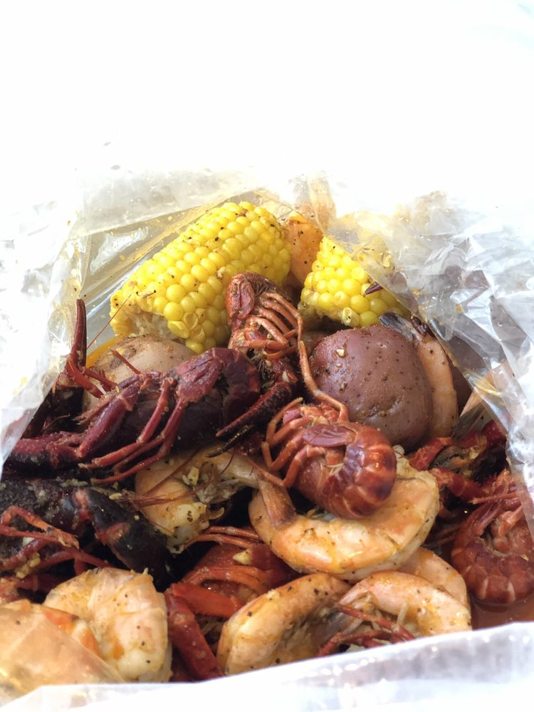 Red Crab: 101 Dorman Centre Dr, Spartanburg, SC