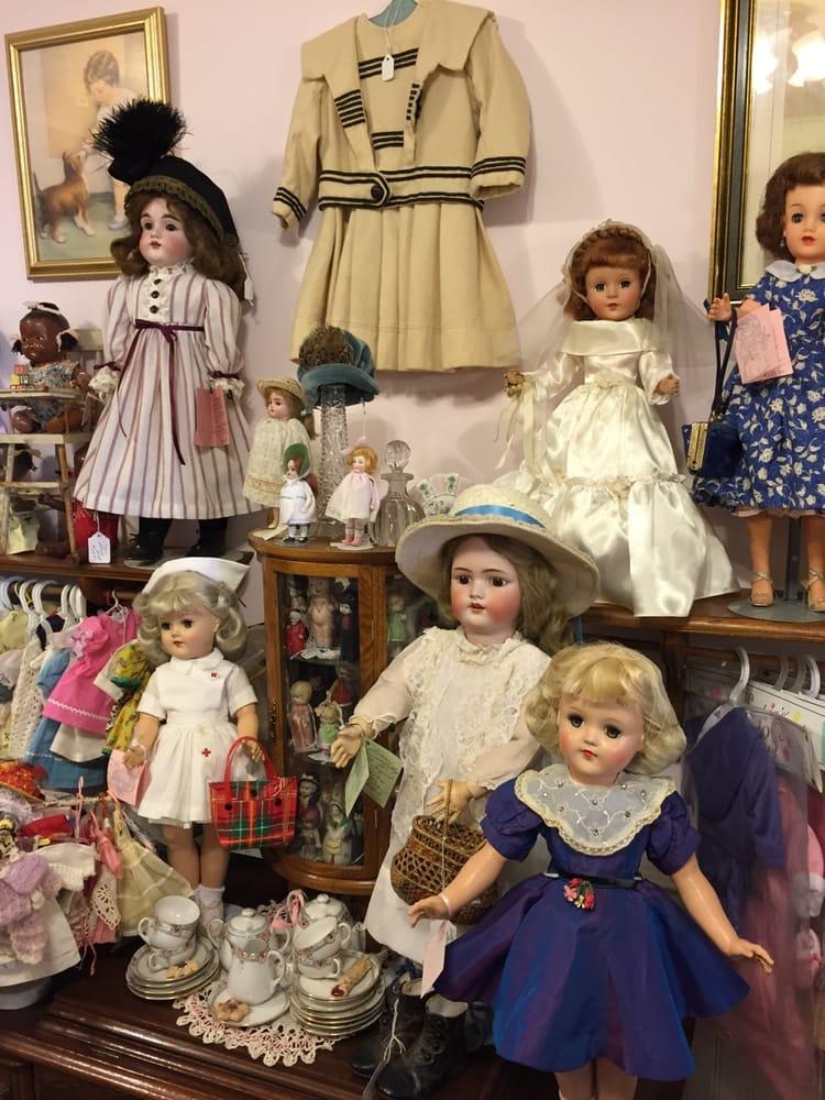 Village Doll Hospital: 4312 Division Hwy, Blue Ball, PA