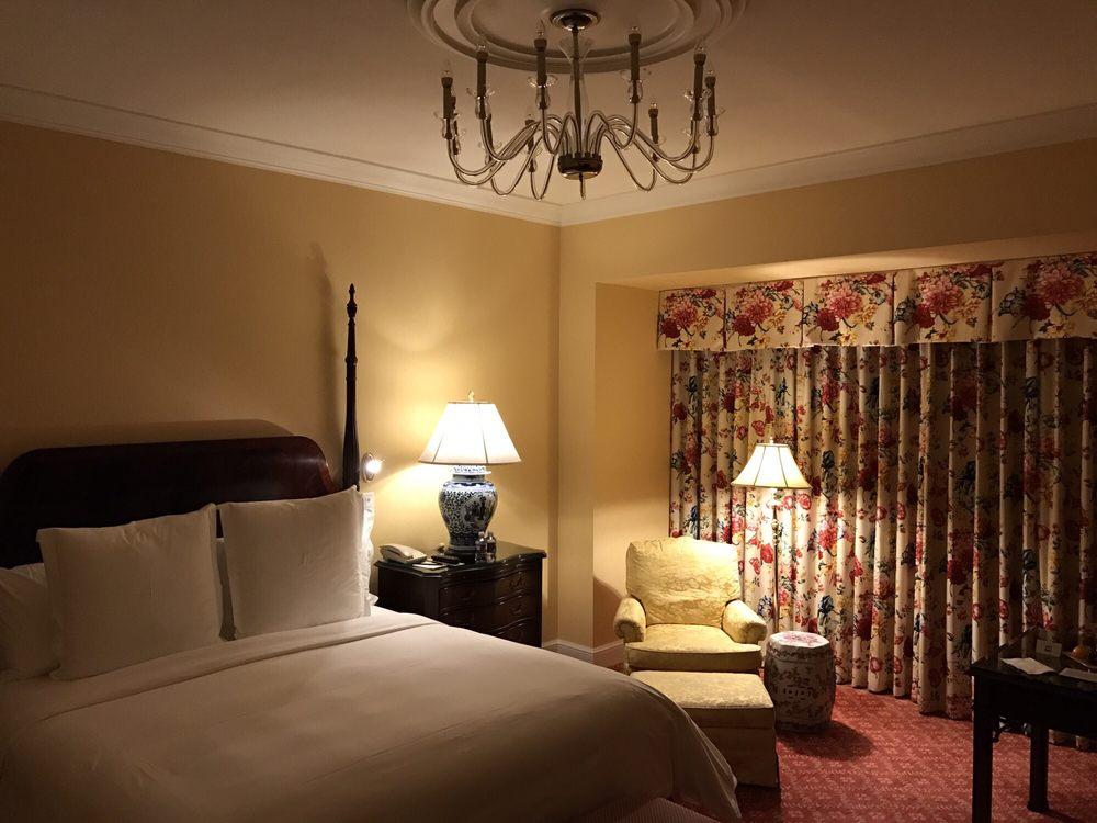 Four Seasons Hotel: 2 Dole Dr, Westlake Village, CA