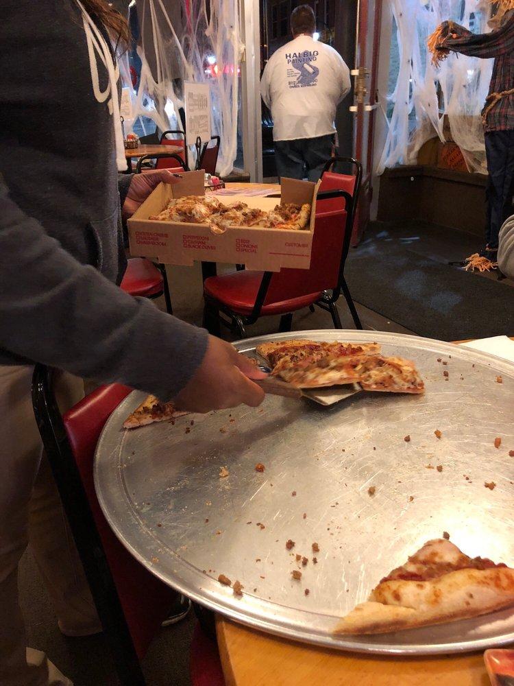 Susan Bobe's Pizza: 101 W Broadway St, Princeton, IN