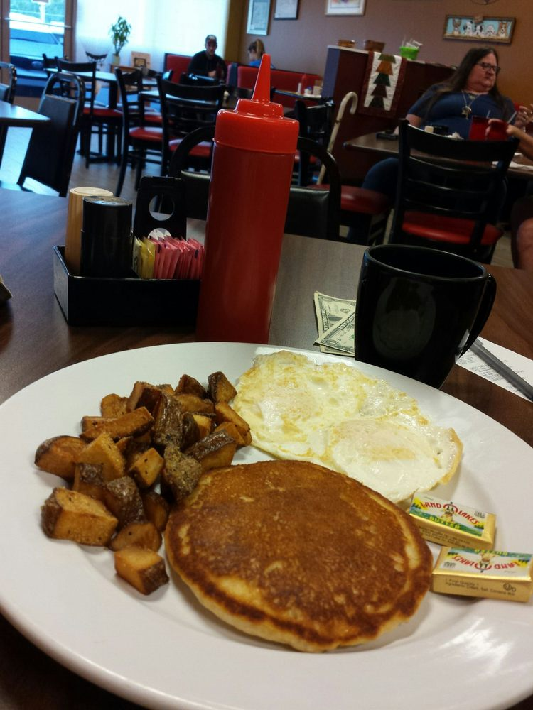 Eggs Over: 5855 SE Baseline Rd, Belleview, FL