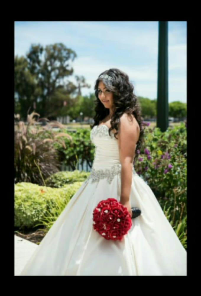 Maxine s bridal 24 photos 33 reviews bridal 7233 for Off the rack wedding dresses near me