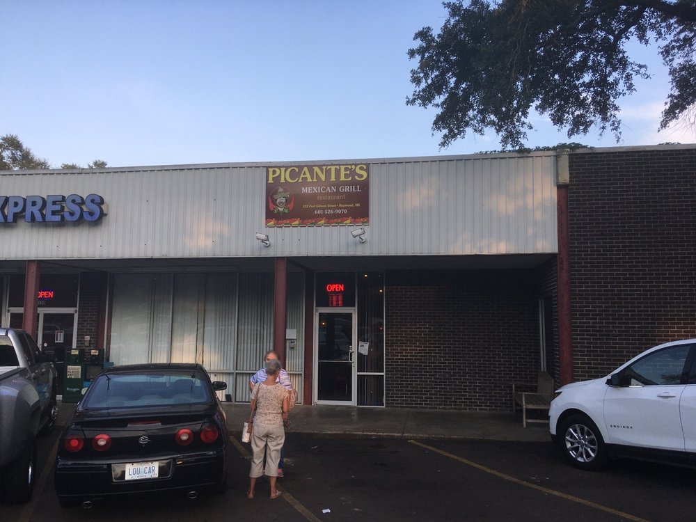 Picante's Mexican Grill: 132 Port Gibson St, Raymond, MS