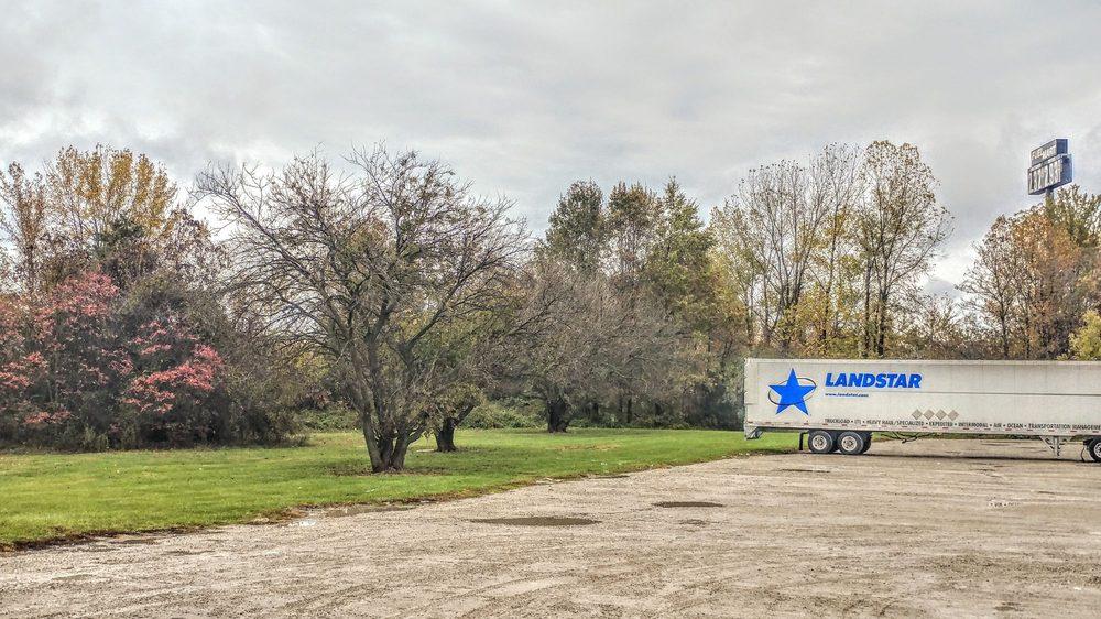 Fuel Mart 783: 145 N Dowling St, Austin, IN