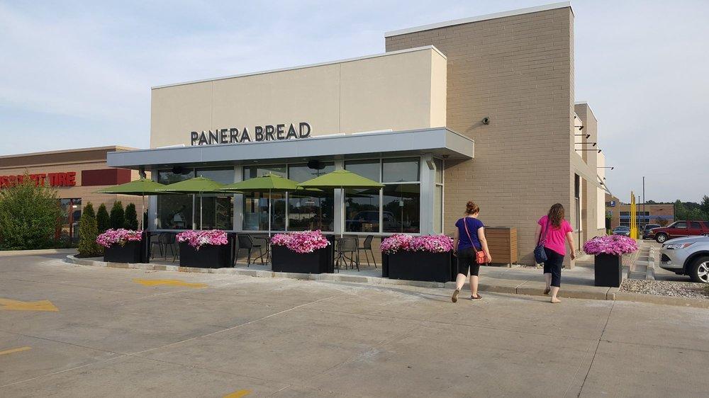 Panera Bread: 1469 US-223, Adrian, MI