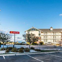 Photo Of Clarion Hotel Beachfront Mackinaw City Mi United States
