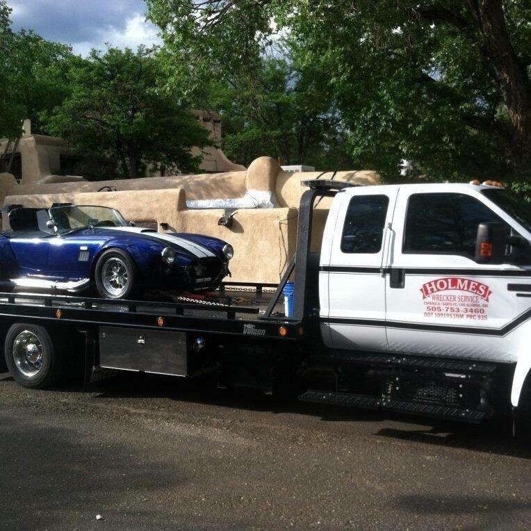 Holmes Wrecker Service: 403 Calle Chavez, Espanola, NM