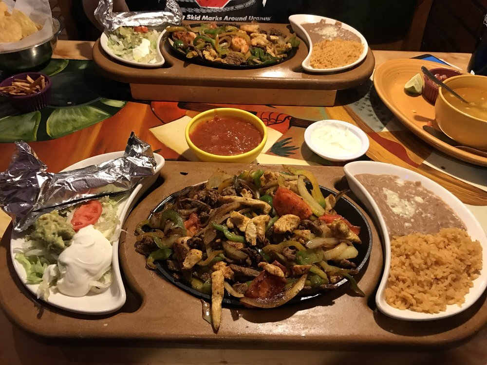 Food from Los Tres Magueyes