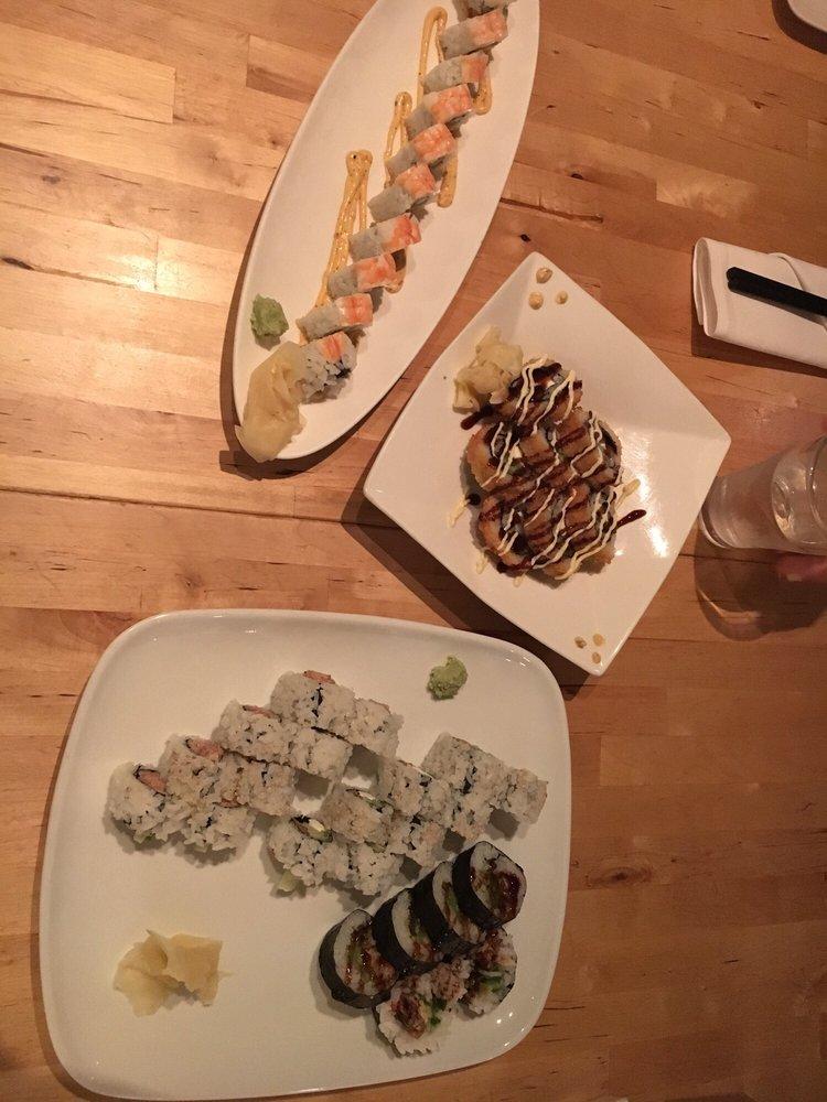 Maki 101 photos 168 reviews japanese 12430 sw main for Asian 168 cuisine