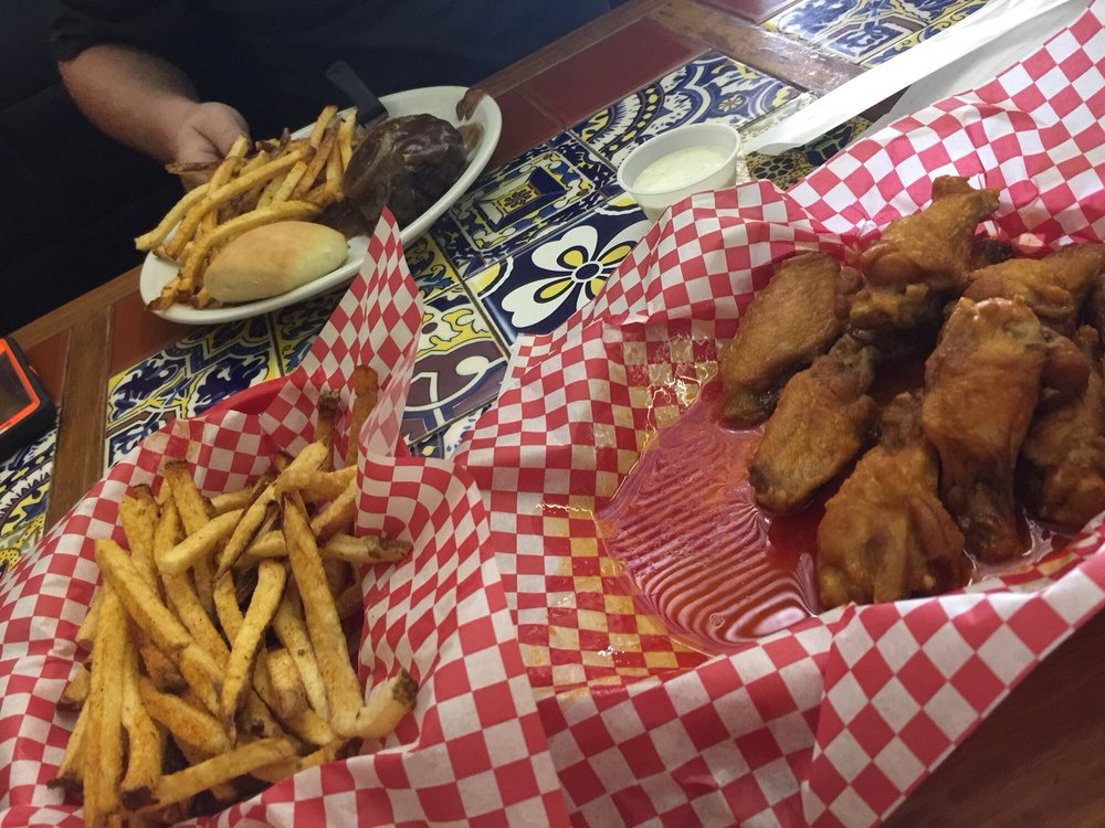 Alabama Wing House: 129 N Main St, Atmore, AL