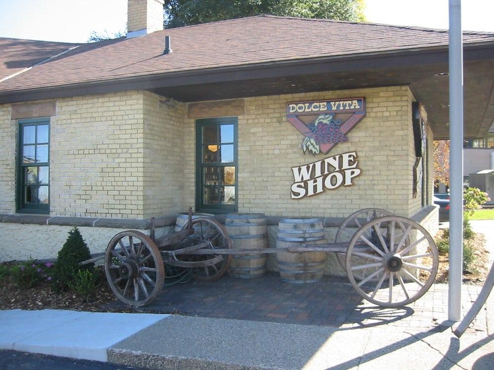 Dolce Vita Wine Shop: 3115 Chaska Blvd, Chaska, MN