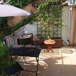 le petit jardin 11 billeder pensionater 136 chemin. Black Bedroom Furniture Sets. Home Design Ideas