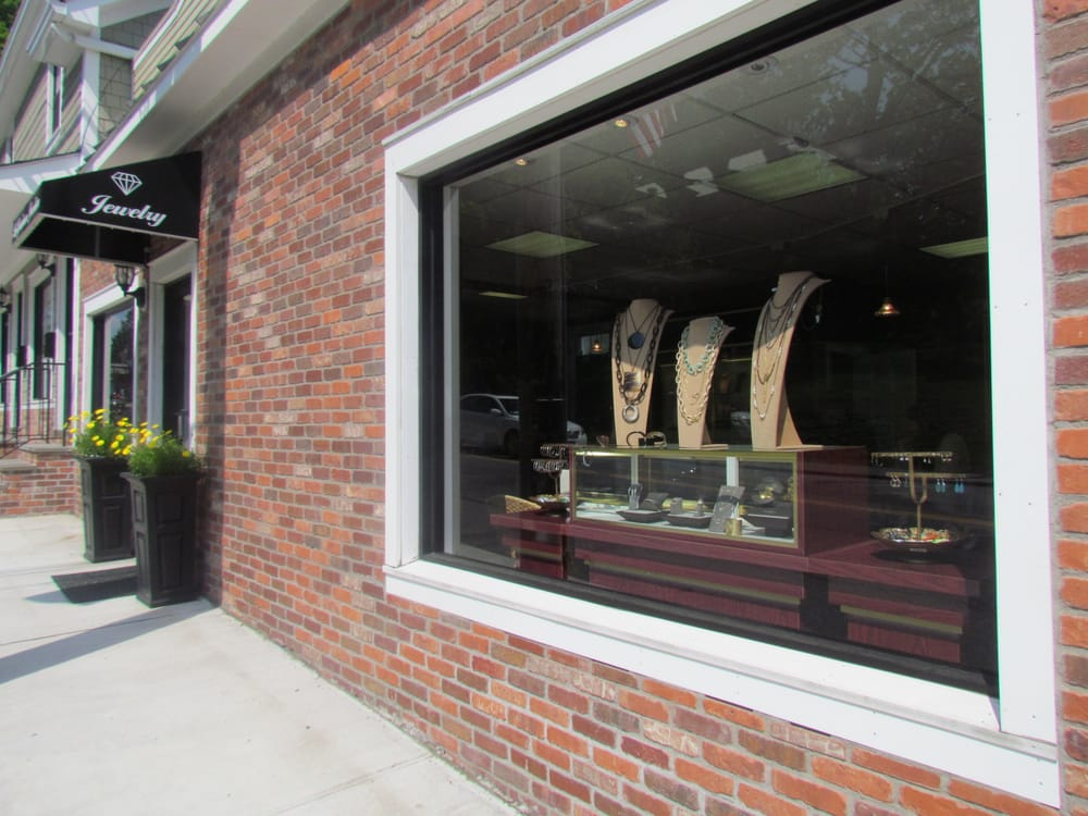 La Gravinese Jewelers of Armonk, Inc: 430 Main St, Armonk, NY
