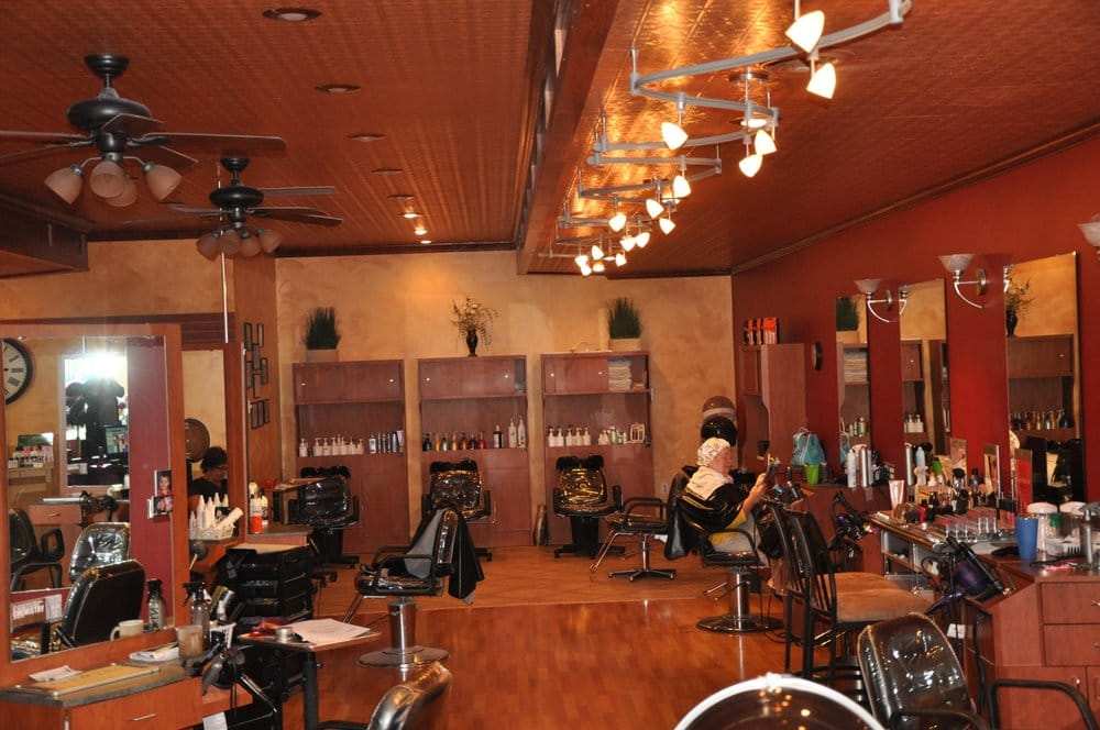 Eclips Salon and Day Spa: 303 W Water St, Decorah, IA