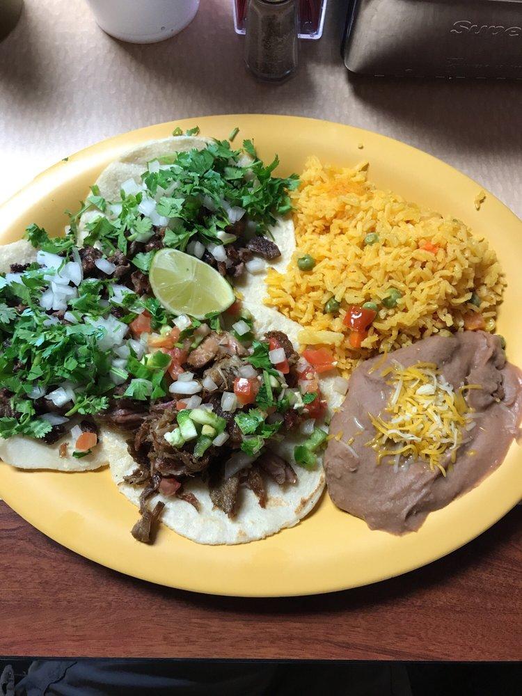 El Sazon De La Abuela: 104 West American Blvd, Muleshoe, TX