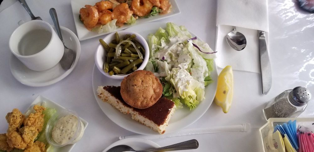 Porches Restaurant: 1193 Highway 51, Wesson, MS
