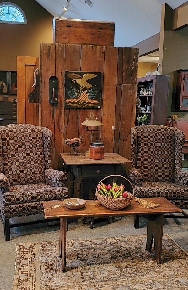 Early Country Antiques: 185 High St, Waynesville, OH