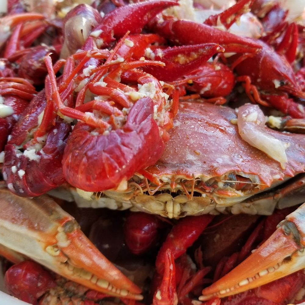 Southern crab craw fish boil made w asian live seafood for Chinese fish market near me