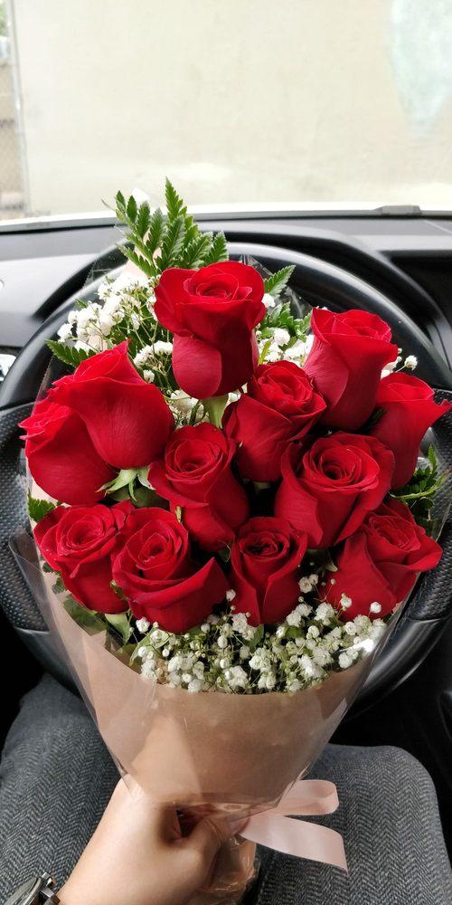 Robinson's Flowers: 750 N Hacienda Blvd, La Puente, CA