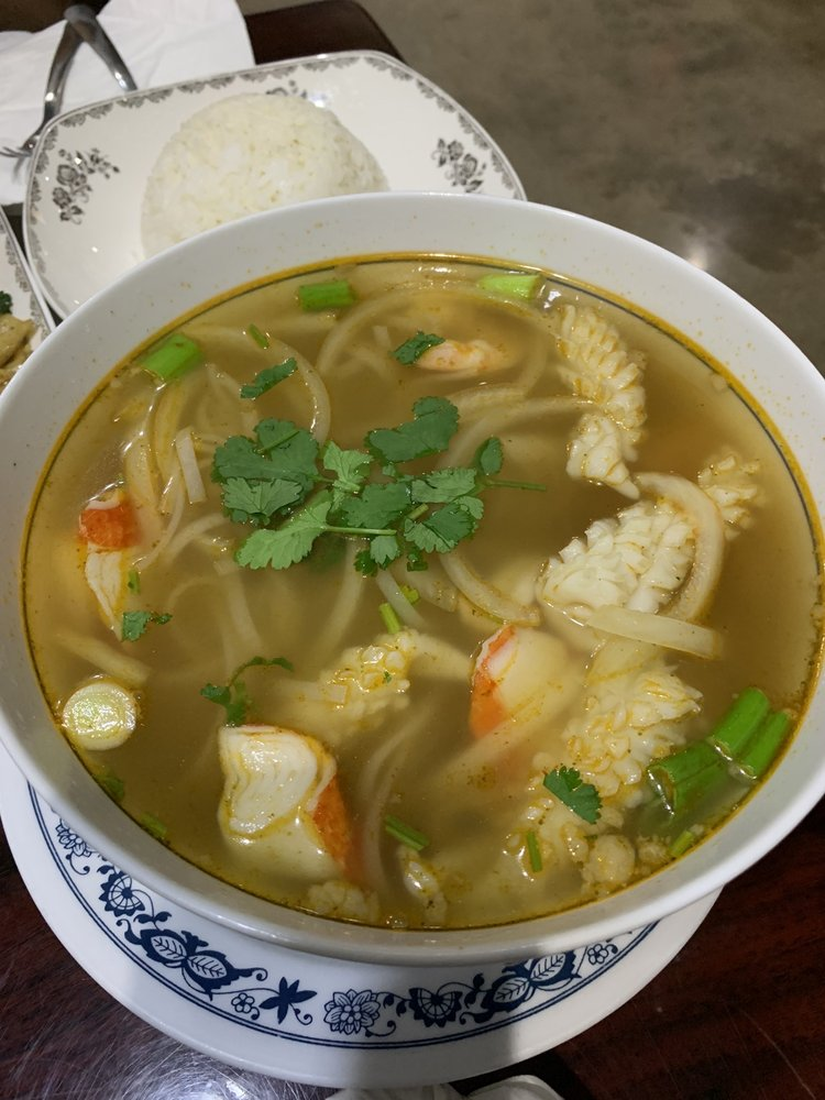 Thai Noodle: 1418 Broadway Ave, Mattoon, IL