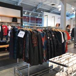 guess jeans fashion 401 biscayne blvd downtown miami fl