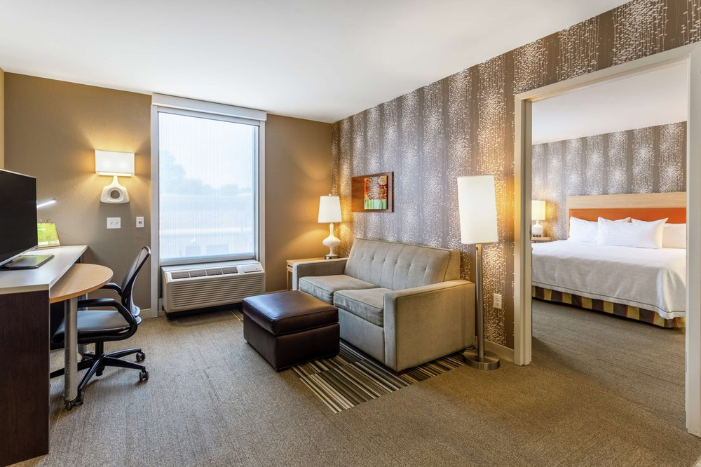 Home2 Suites by Hilton Dover, DE: 222 S Dupont Hwy, Dover, DE