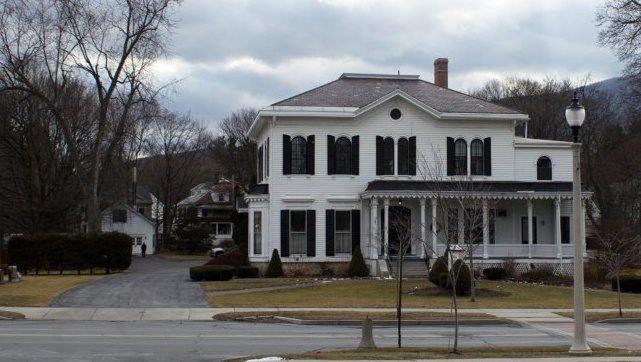 Hanson Walbridge & Shea Funeral & Cremation Services: 213 W Main St, Bennington, VT