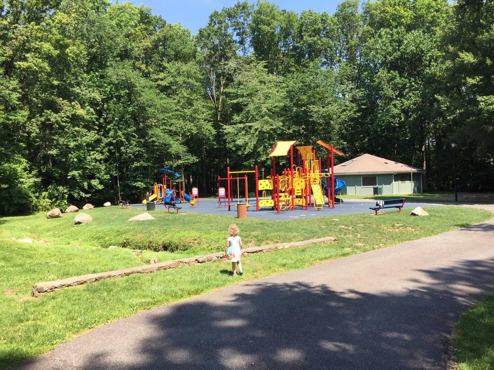 Memorial Park: 10 Fairmount Rd, Caldwell, NJ