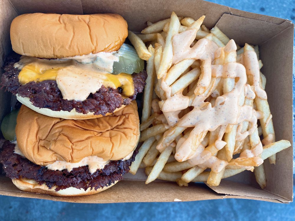 Food from Easy Street Burgers