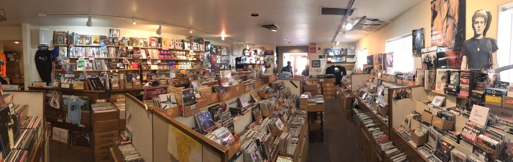 Eagle Valley Music: 211 S Main St, Minturn, CO