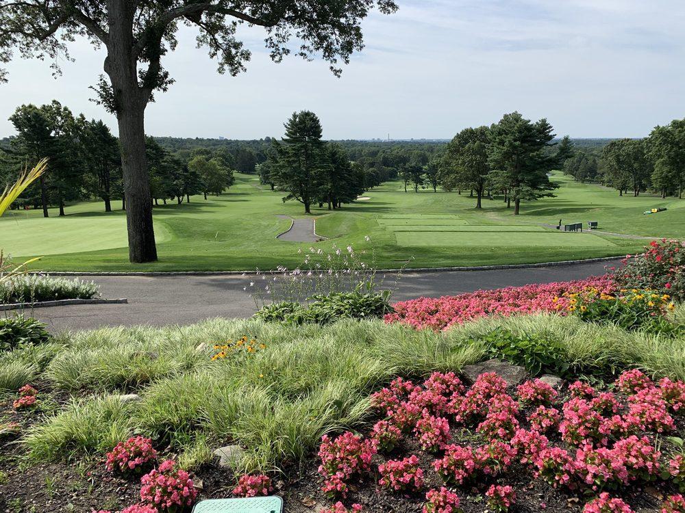 Old Westbury Golf & Country Club: 270 Wheatley Rd, Old Westbury, NY