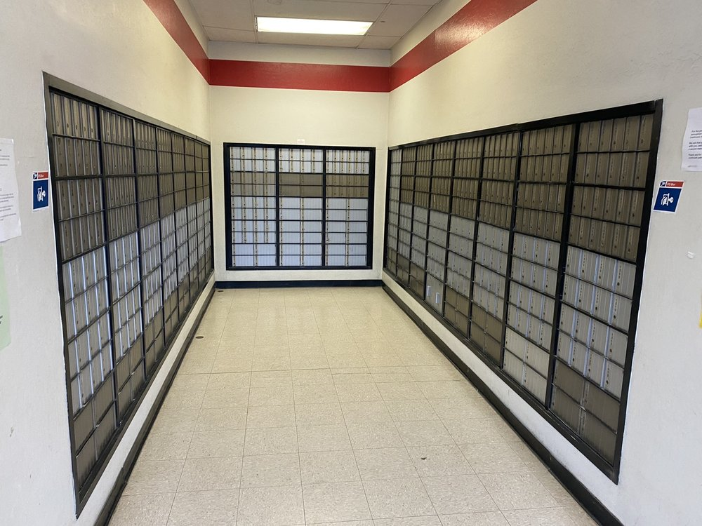 US Post Office: 100 Country Club Dr, Willow Creek, CA