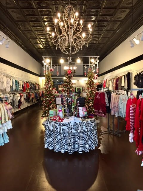 Little Sprouts Children's Boutique: 111 N Main St, Auburn, IN