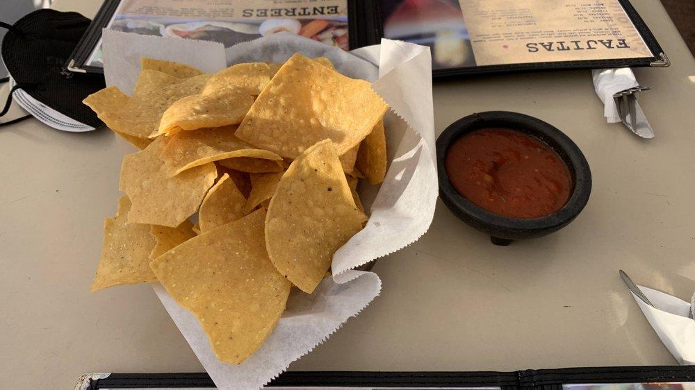 El Rey Mexican Bar and Grill: 940 7th St, Novato, CA