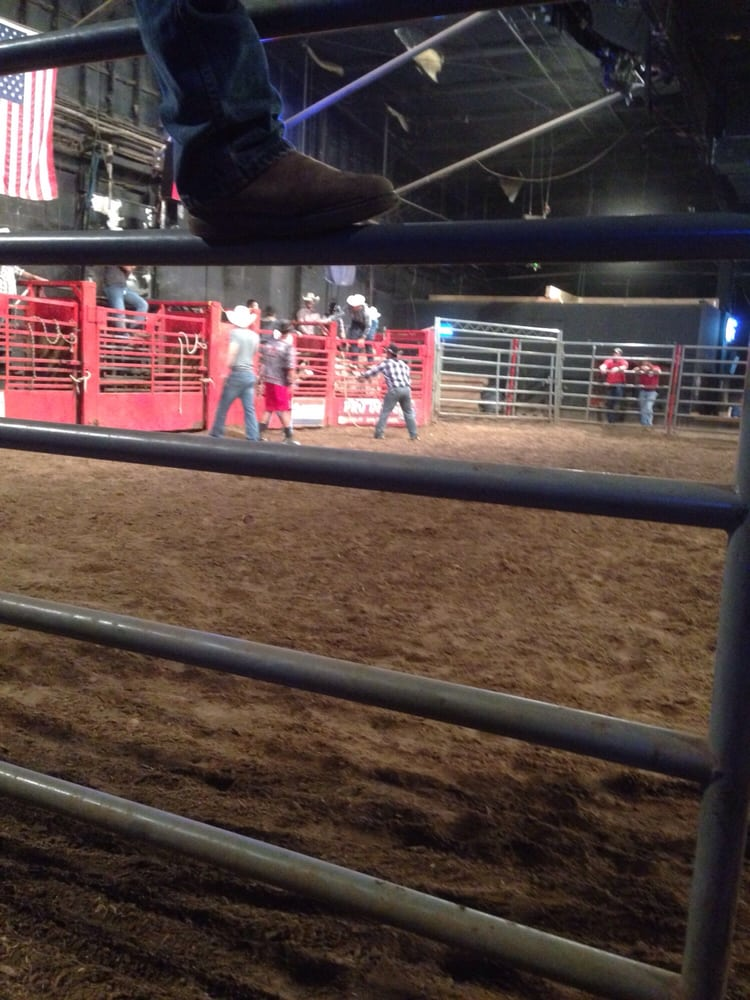 Club Rodeo Wichita: 1001 E Kellogg Dr, Wichita, KS