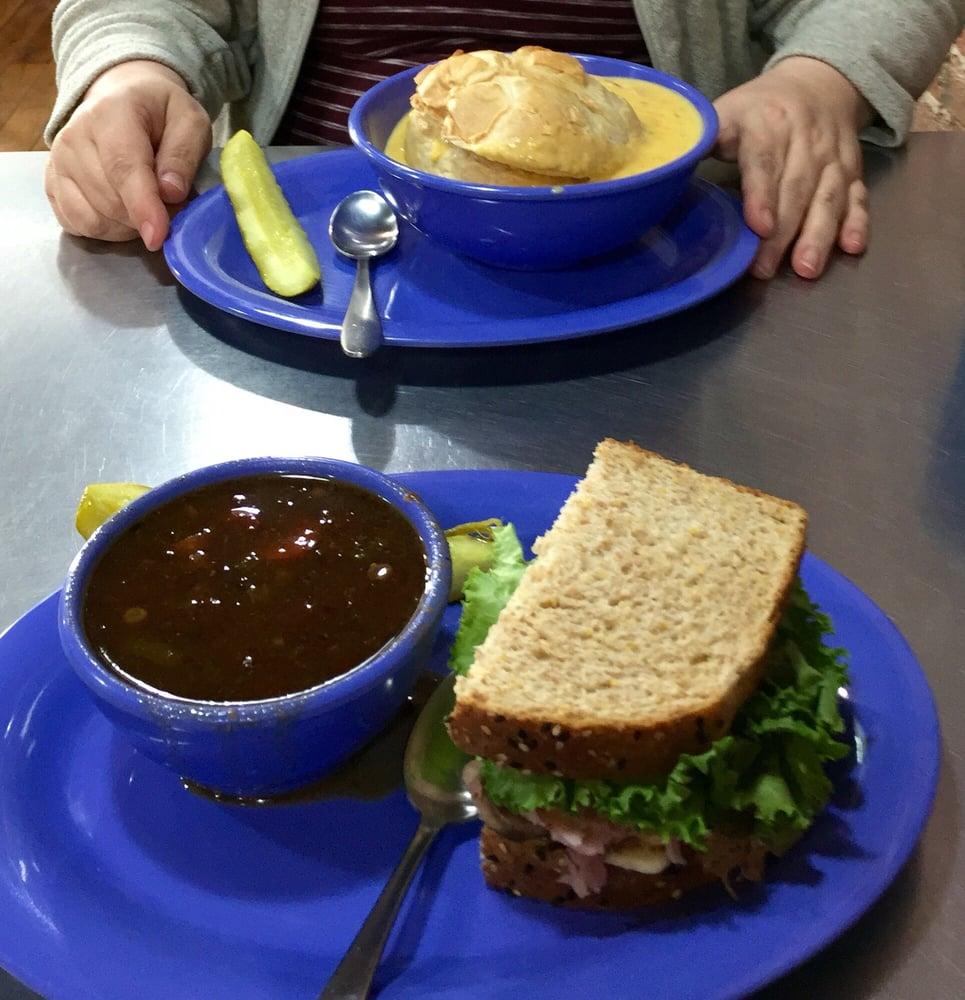 Sandwich Bowl: 1008 6th St, Harlan, IA