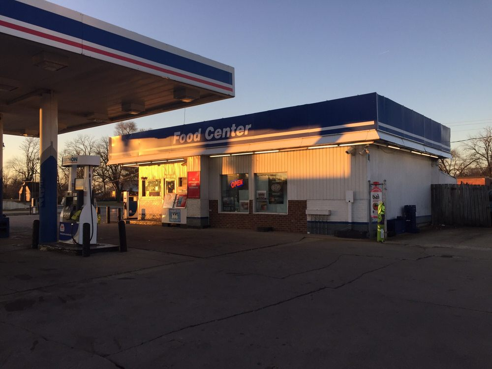 Marathon G & S Gas: 1815 E Court St, Kankakee, IL