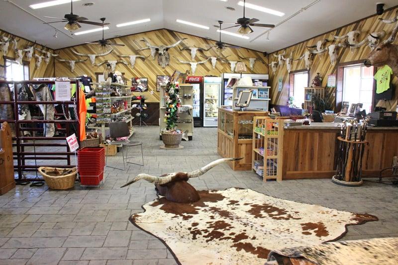 Dickinson Cattle: 35000 Muskrat Rd, Barnesville, OH